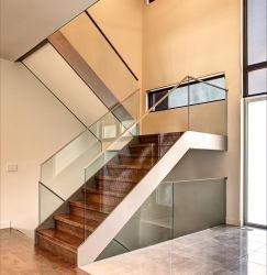 Escalera recta metálica vertical cerrada de madera escaleras de cristal personalizado