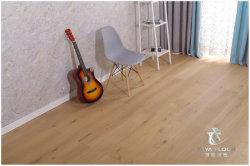 ヨーロッパのカシ/Brushed、設計された木製のフロアーリング、紫外線油をさされた、木製のフロアーリングまたはクルミのフロアーリングまたは純木のフロアーリングまたは建築材料または材木のフロアーリングか床タイル