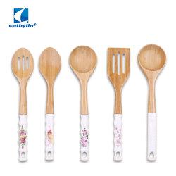 Logo personnalisé spatule cuillère fendue cuisson ustensile de cuisine en bois avec support