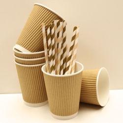 ふたが付いているカスタマイズされた使い捨て可能で熱く安全なさざ波のコーヒー紙コップ