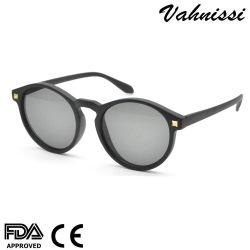 이탈리아 싼 상표 UV400는 플라스틱 회색 형식 여자 색안경을 보호한다