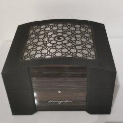 Carré de luxe personnalisé MDF Emballage montre bijou parfum Cosmétiques Papier de cadeau Boîte en bois
