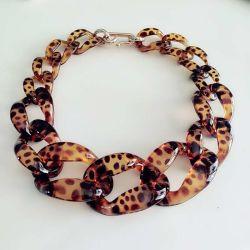Heißer Verkauf Handgefertigte Mode Custom Zierliche Schmuck Große Acryl-Kette Frauen Choker Statement Halskette