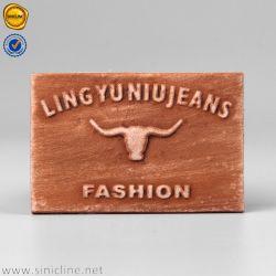 Nuova etichetta in pelle goffrata personalizzata Sinicline marrone PU per indumenti