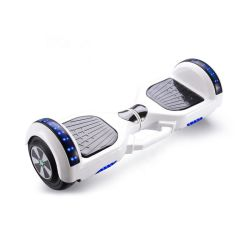 Giocattoli intelligenti dei ragazzi del pattino di torsione dei bambini di mobilità del motorino di Bluetooth dell'altoparlante degli indicatori luminosi dell'automobile variopinta elettrica dell'equilibrio