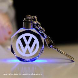 LED水晶キーホルダーによって刻まれる車のロゴの水晶Keychainの記念品のギフト