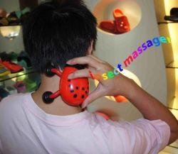 Nuevo diseño OEM insecto cuello Masajeador USB