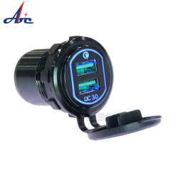 12V/24V resistente al agua de salida de la Marina de toma de corriente USB Dual QC3.0 Cargador de coche de alquiler de barco Moto Mobile