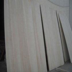De pijnboom Gezaagde Houten Bevloering van het Hout van de Vinger van Paulownia van het Timmerhout van de Populier van het Hout Gezamenlijke voor het Blad van het Triplex