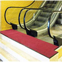 Nicht Beleg-Rippen-Treppe, die Teppich-Schmutztrapper-Tür-Matte riecht