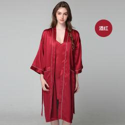 Los encajes de dos piezas de lencería nupcial de satén Guarnecido de camisón de seda y el conjunto de túnica