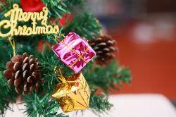 机の装飾の祝祭の休日の装飾30cmサンタのクリスマスツリー