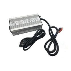 Usine de gros de chargeur de batterie LiFePO4 12V 15A pour les batteries rechargeables