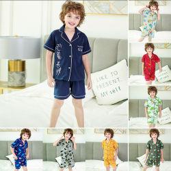 Der Kinder steuern Abnützung-Sommer-Jungen-Kurzschluss-Hülsen-Baby-Pyjamas automatisch an