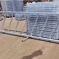 El equipo de la granja de vacas de ganado bovino del alimentador de heno de barreras de paneles para la venta