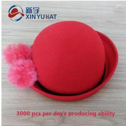 Feutre de laine rouge classique pur Chapeau melon avec boule de fourrure de lapin