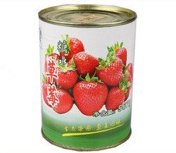 Köstliche süsse in Büchsen konservierte Erdbeere im Sirup