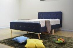 편평한 침대 현대 침대 Storge 침대 성숙한 침대 홈 가구 단추 나무 다리를 가진 고정되는 직물 침대 2인용 침대 침실 가구