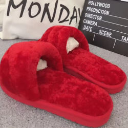 Zachte comfortabele Non-Slip Fur Slides Schapenhuid Winter Slipper