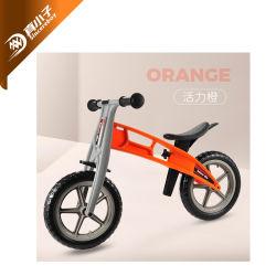 子供のためのペダルのない子供の子供押しのバランスの小型バイクの歩く自転車