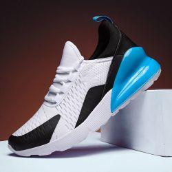 De toevallige//het Lopen het Schoen Schoenen die van de Joker van Schoenen van de Sport aanstoten lopen