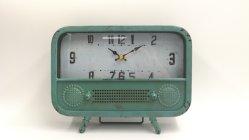 Утюг в стиле лофтов радиоприемник с часами часов