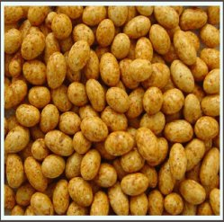 Cultivo fresco de excelente calidad de cacahuetes recubiertos con sabor a Chili