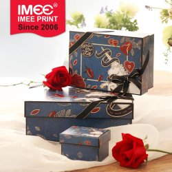 Imee in Stock Customized Design ラグジュアリー化粧品シューズアパレル衣料 スーツの服スカートのワイシャツ堅い colouful ペーパーボードのボール紙のボール紙のギフト バッグと箱