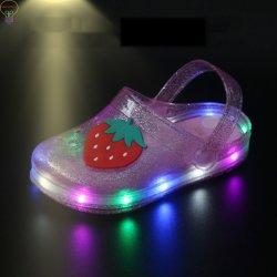 La gelée d'éclairage LED CHAUSSURES Sandales d'éclairage LED LED chaussures en PVC