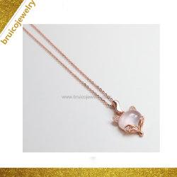 女の子のための新しい方法宝石用原石の宝石類のローズ水晶ネックレスの銀か金によってめっきされる花の形の水晶ネックレス