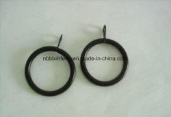O anel lateral de metal com gancho