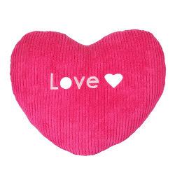 L'oreiller moelleux en peluche Coeur rouge