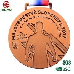 Custom Gold la randonnée pédestre Stick antique Médaillon de football de médaille en alliage de zinc et le trophée