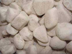 Diferentes tamaños de color blanco puro cayó a Río Piedras la piedra para la decoración del hogar