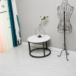 屋内PVCビニールのフロアーリングに床を張る装飾的な材料自己接着PVC