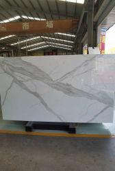 De kunstmatige Plakken Calacatta van het Glas van de Steen Nano witte opgepoetste marmeren voor de de Binnenlandse Muur/decoratie/achtergrond van de Vloer