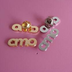 Kundenspezifischer Letters Design Pin Badge Gold und Silver Plating Brooch