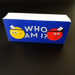 Pergunta e resposta jogando cartas de papel