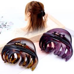 ヘア用の大きなプラスチック製ヘアクリップ 女性