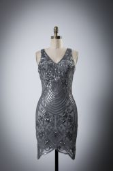 女性のディナー・パーティセクシーなVの首の特別なイブニング・ドレス