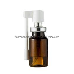 La pince à sertir sur aluminium médecine buccale de la pompe avec des bouteilles en verre ambré