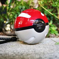 مصدر طاقة Pokeball سعة 10000 مللي أمبير/ساعة مع تصميم Pokemon Go/ضوء وامض