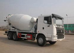 販売のためのミキサーの輸送のトラックHOWOの具体的な混合のトラック