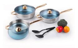 Roestvrij staal Cookware die met Nylon Keukengereedschap wordt geplaatst