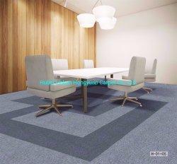 보통 양탄자 도와 사무실 상업적인 호텔 주택건설 사용 모듈 양탄자 Alfombras를 위한 고품질 최고 가격을 역행시키는 50X50cm PP 지상 Bitumen/PVC