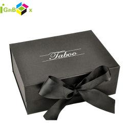 Progettare il documento per il cliente del cartone che impacca il contenitore di regalo colorato magnetico con il nastro