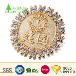Venda Direta de fábrica metal promocionais personalizadas fundição de liga de zinco Ouro Diamantes Gemstone floco de neve branca Rhinestone Lions Clube Monograma intermitente para o Natal