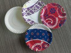 機械を形作る使い捨て可能な紙皿の皿