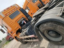 使用されたShacman M3000のトラクターのトラック4X2 Shacman M3000 6の車輪4*2秒針の頑丈な索引車のトラクターのトラック310HPのポートの専用道のトラック