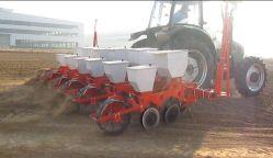 Alta eficiencia de 6 filas de maíz, maíz, frijoles de soja, soja, Sembradora de precisión doble disco con el fertilizante, granja de la sembradora, máquina agrícola